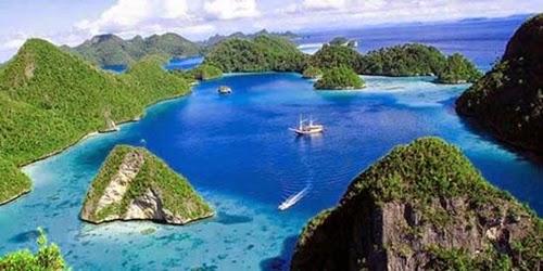 Pesona Keindahan  Tempat Wisata Raja Ampat Di Papua