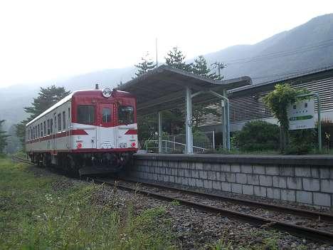 JR東日本キハ52形と岩泉駅
