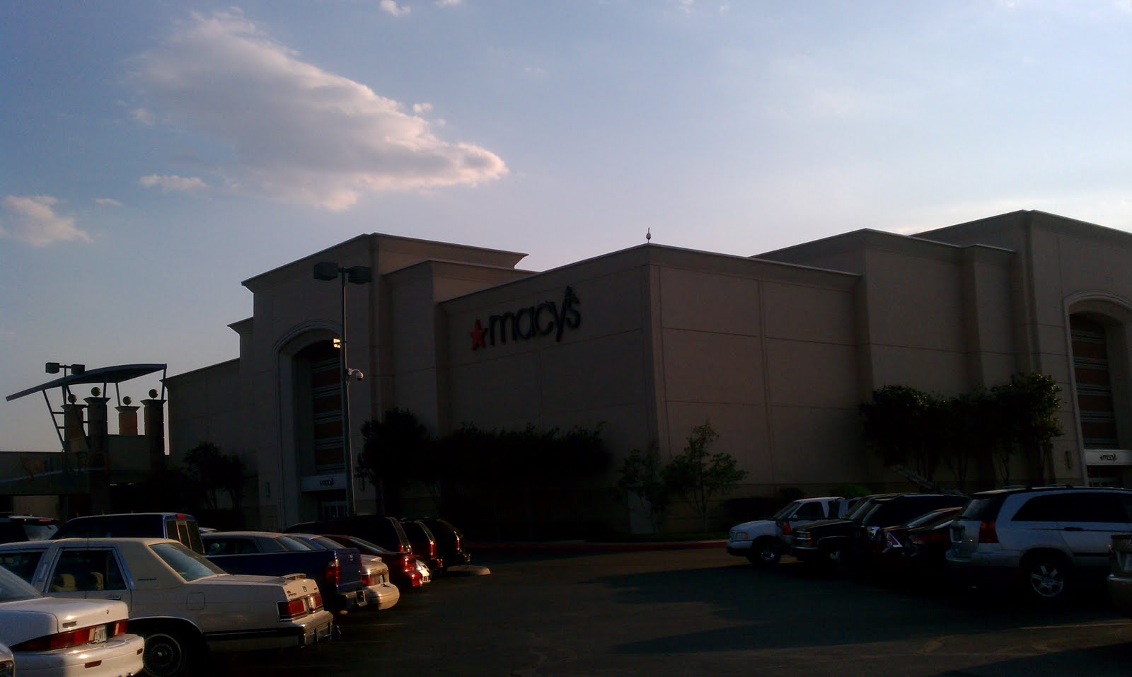 Rolling Oaks Mall | Indoor Shopping Center in San Antonio, TX