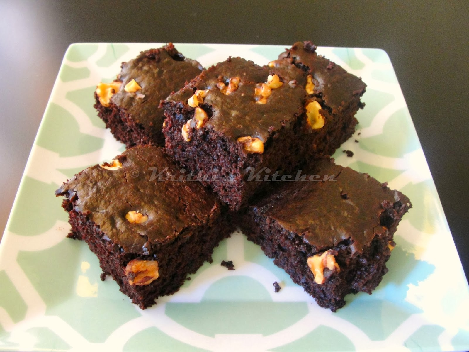 Krithi's Kitchen: Eggless Chocolate Brownies | Eggless Cake Recipes