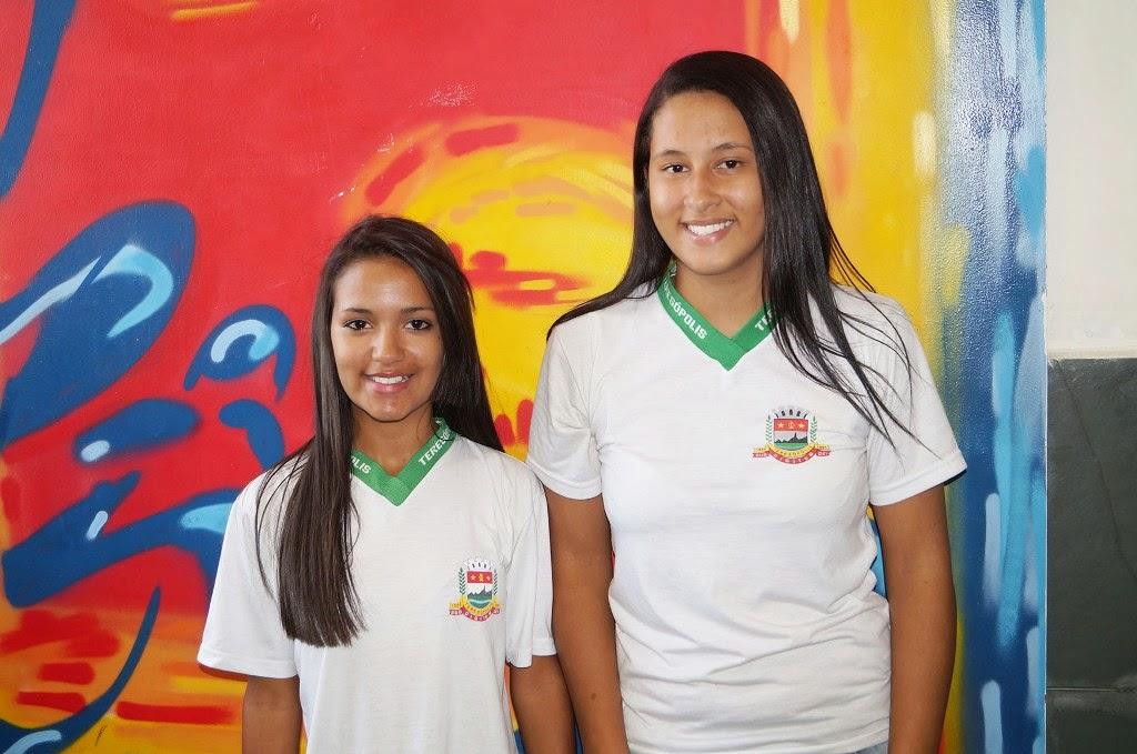 As alunas Hiorrana e Lorraine se sentem estimuladas pela nova metodologia