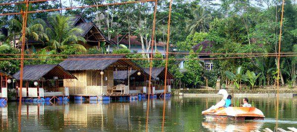 Hasil gambar untuk Danau Lemona Salopa