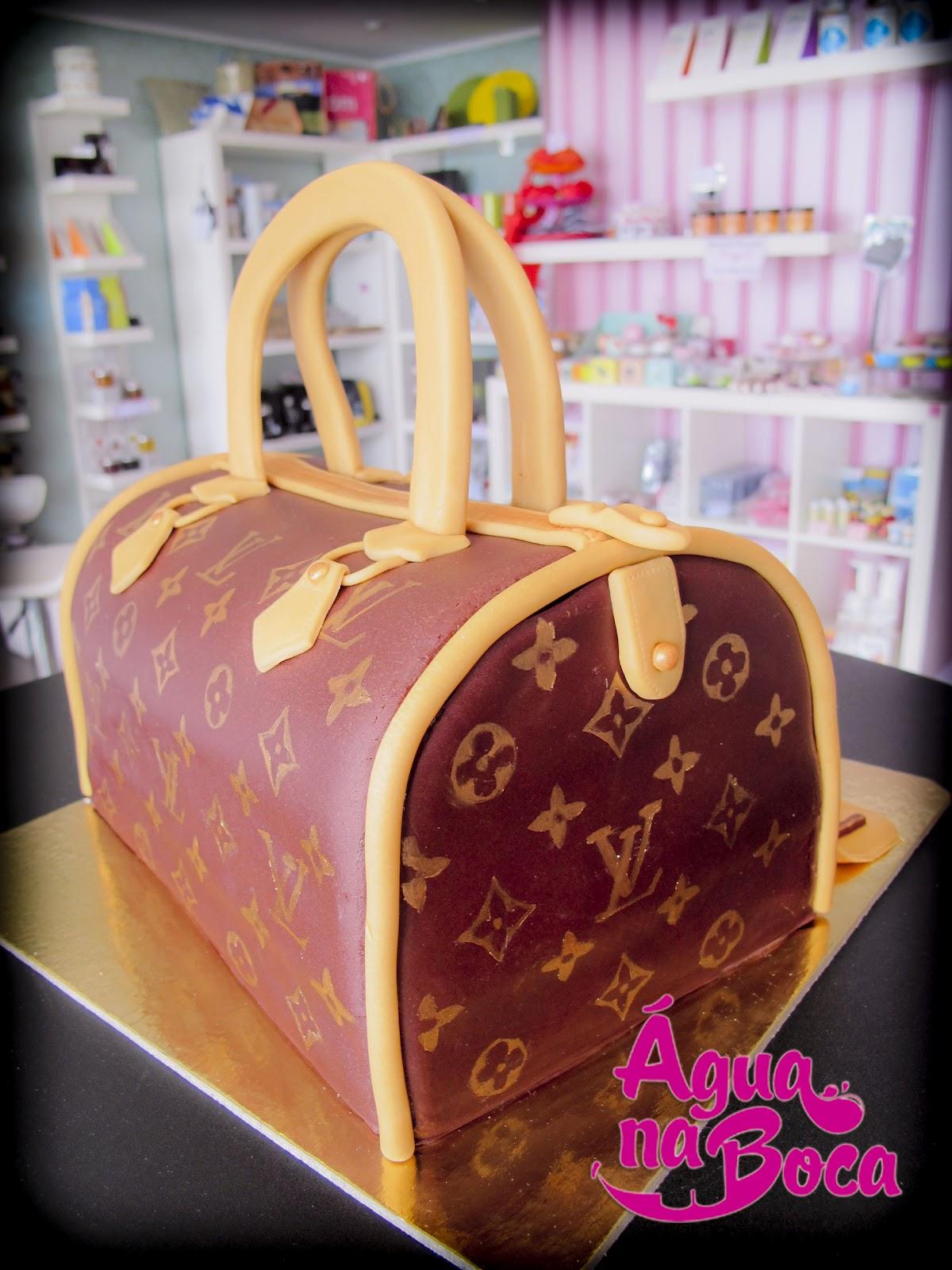 Cake Design Lisboa Encomendas : BOLO MALA LOUIS VUITTON agua na Boca - Cupcakes & Cake ...