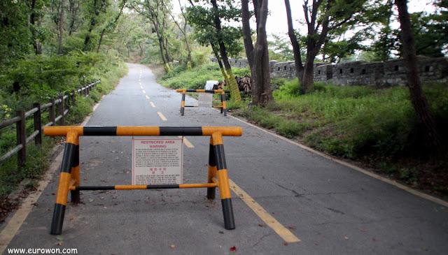 Carretera cortada en Namsan