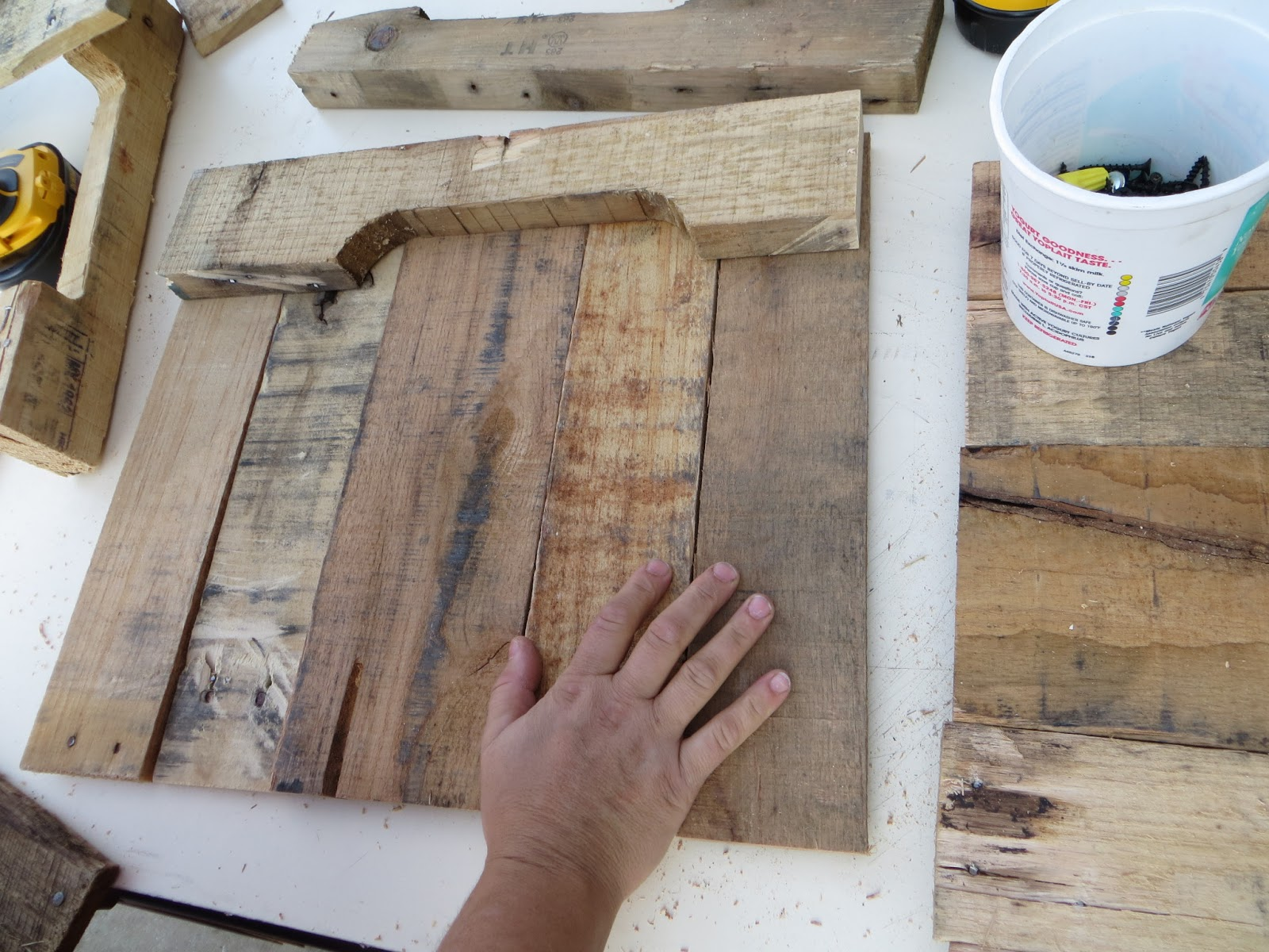 how to put fins on a piece of wood