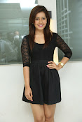 Rashi Kanna latest glam pics-thumbnail-14