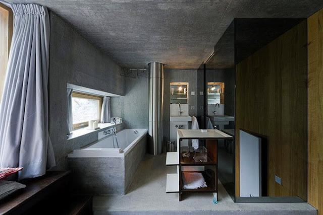 Ванная комната в земляном доме