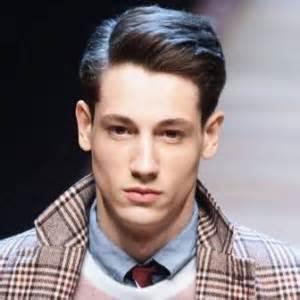 Model rambut pria berwajah berlian