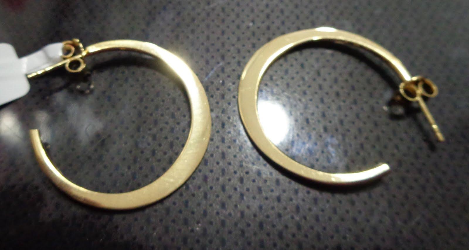 Pendientes de plata dorada con cierre de presión