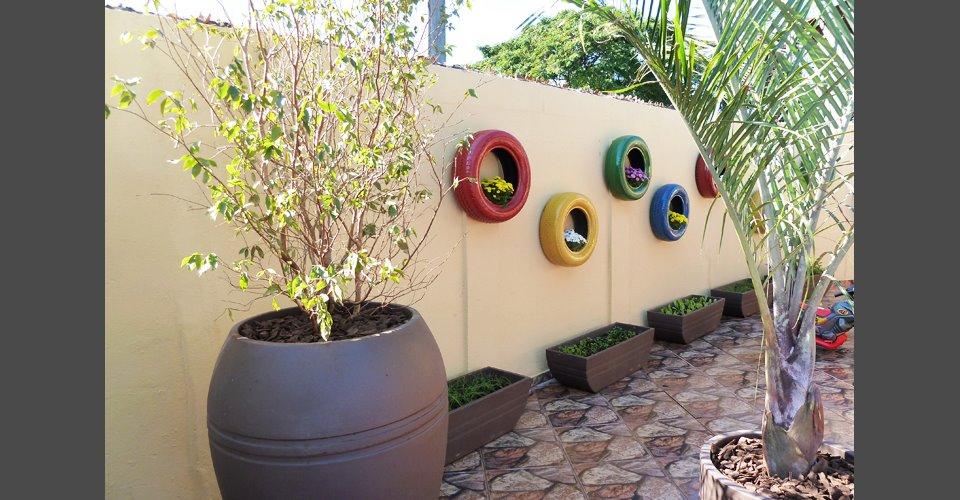 horta e jardim em pneus : horta e jardim em pneus:Reciclagem e Sucata: Como usar pneus velhos na decoração do jardim