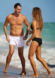 English: Kelly Bensimon Black Bikini Miami