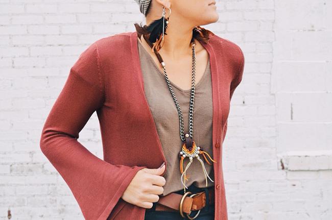 Cleveland handmade jewelry - Macrame pendant necklace