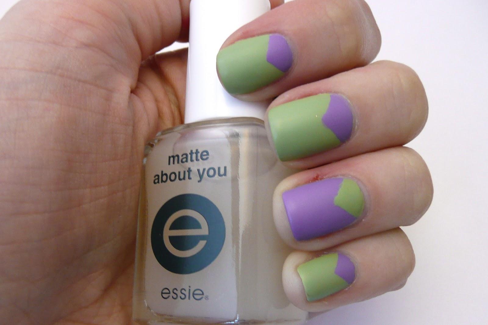 Casa de Polish: Review: Essie Matte About You Top Coat