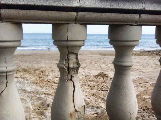 Baustelle Strand, Brüstung, Bauschäden, Barcelona, Spanien, 24.05.2015