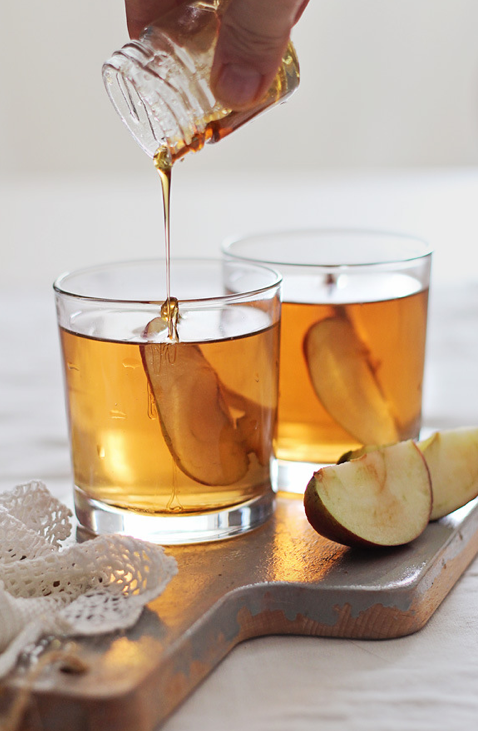Delicious Drink Recipes: Honey Bourbon Apple Cider Cocktail Recipe