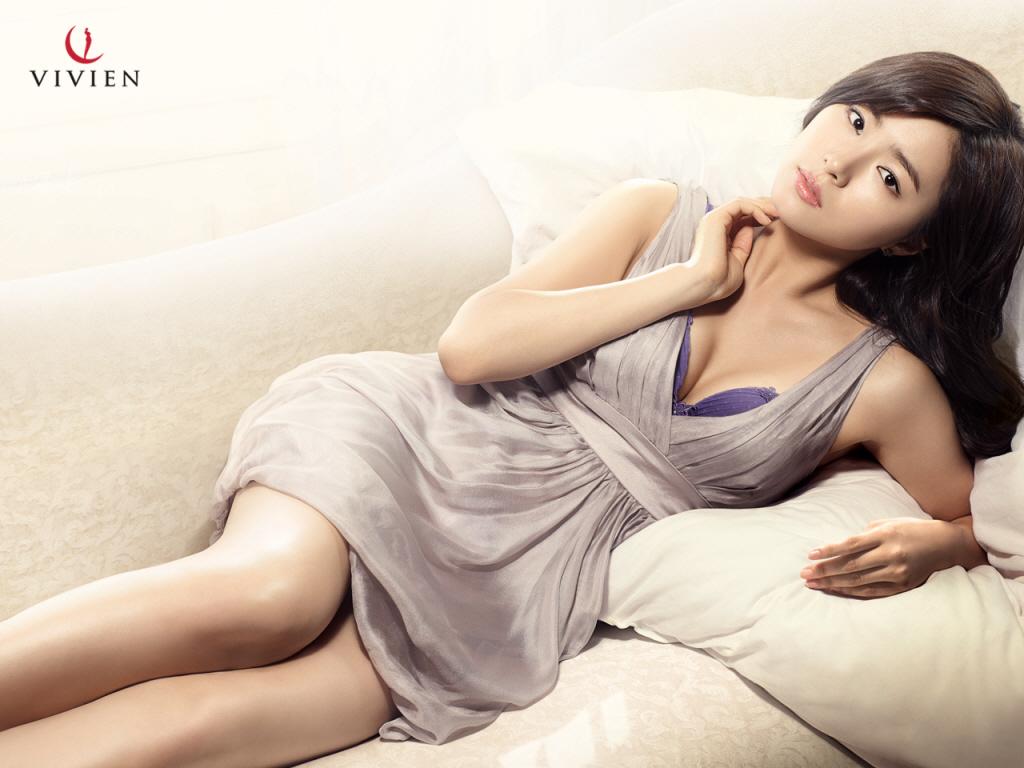 http://2.bp.blogspot.com/-LH5cIGICdlg/UIbKPI69KKI/AAAAAAAAljI/J7ddkFuY0Ys/s1600/shin-se-kyung-vivien-wallpaper-4.jpg