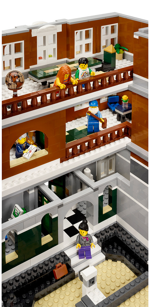 Little yellow brick a lego blog little yellow brick news 2 10224 town hall official release - Lego house interior ...