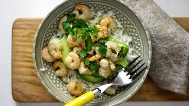 Receita de arroz com camarão e abacate