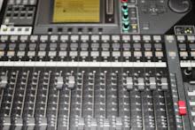 Yamaha 40 Channel Desk
