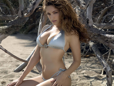 Kelly_brook_hot_jungle