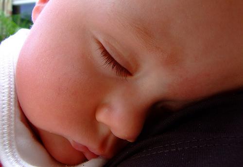 bébé dorme