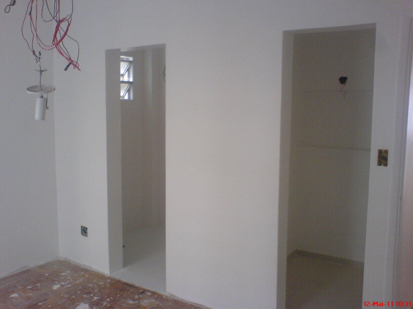 #69505A  apê ..: Reforma da nova proprietária do apê de São Vicente 1600x1200 px um banheiro para dois quartos