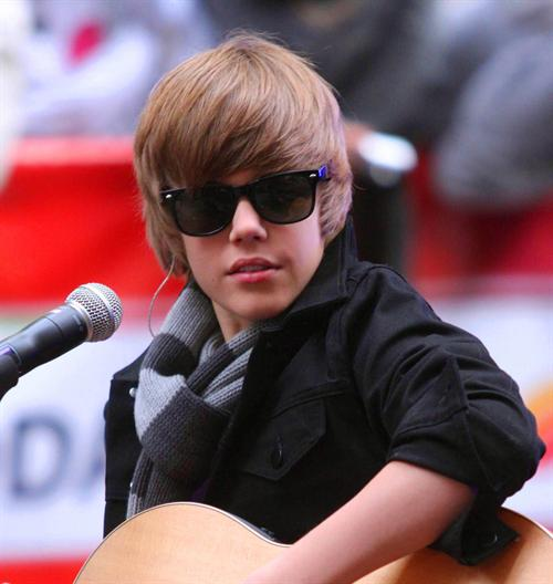 justin bieber pictures new. justin bieber new haircut 2011