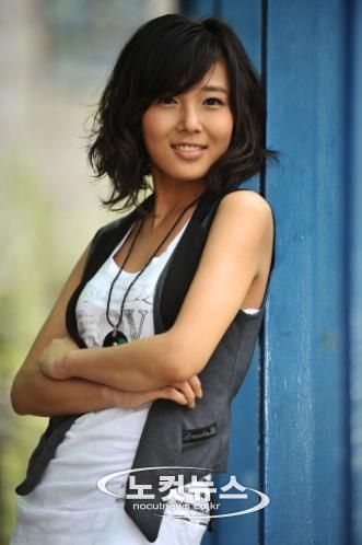 alluring kim yubin of wonder girls
