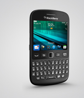 BlackBerry 9720 with touch screen and QWERTY keyboard officially launched