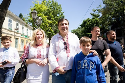 """Человек пытался заставить меня  """"полюбить"""" Саакашвили"""
