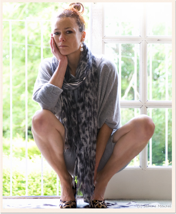 Psynopsis Grey Outfit Me&amp;Kashmere Scarf Vince Cashmere Sweater Zara Leopard Pumps