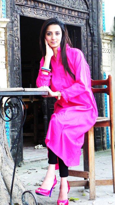 female model alina khan photography in islamabad pakistan