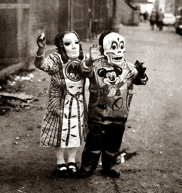 Crazy Halloween Outfits from The Past 10