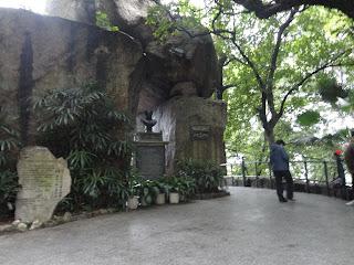Gruta en la que Camoes escribió parte de Os Luisiadas en Macao