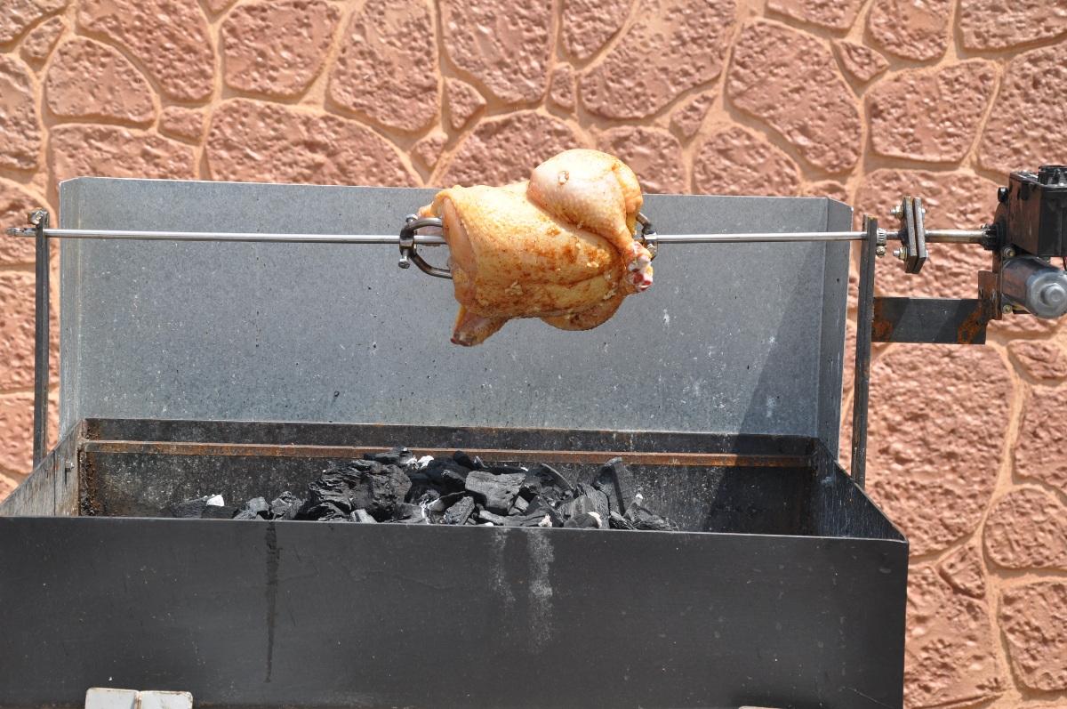 Hecho en casa pollo asado en barbacoa - Como hacer un barbacoa ...
