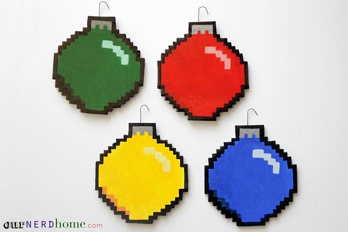 adornos navideños pixelados