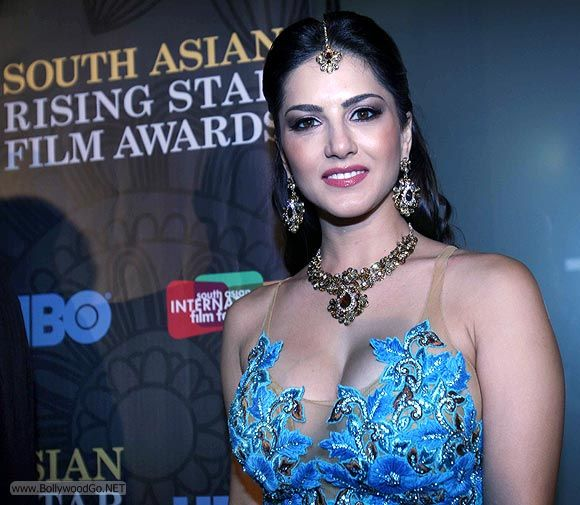 Sunny Leone at South Asian Rising Star Film Award