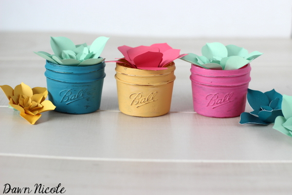 http://bydawnnicole.com/2015/04/paper-succulents-in-mini-mason-jars.html