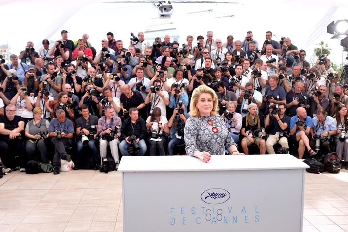 Catherine Deneuve, estrella del día en Cannes