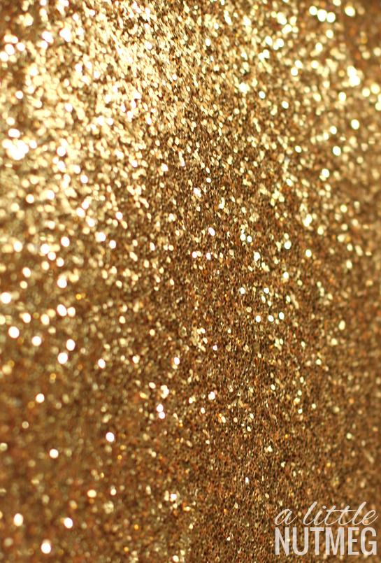 Christmas iPhone wallpaper // a little nutmeg