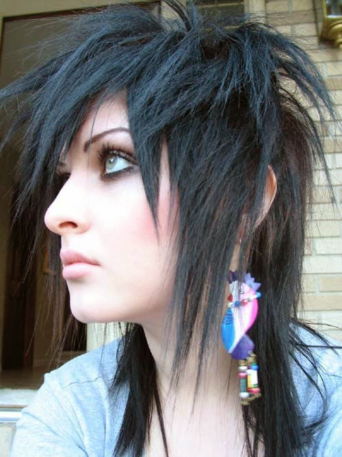 How to get an emo hairstyle for girls vacation hairstyles while many emos will tell you that the essence of an emo hairstyle is taking a do it yourself approach this doesnt always yield the results that you want solutioingenieria Images