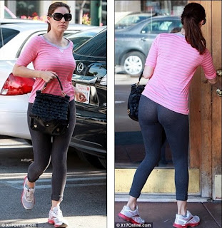 Kelly-Brook-leggings-photo-01.jpg