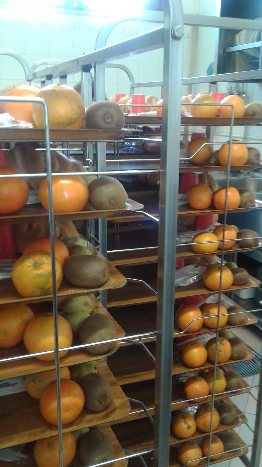 Distribuzione del pasto alla Missione San Francesco