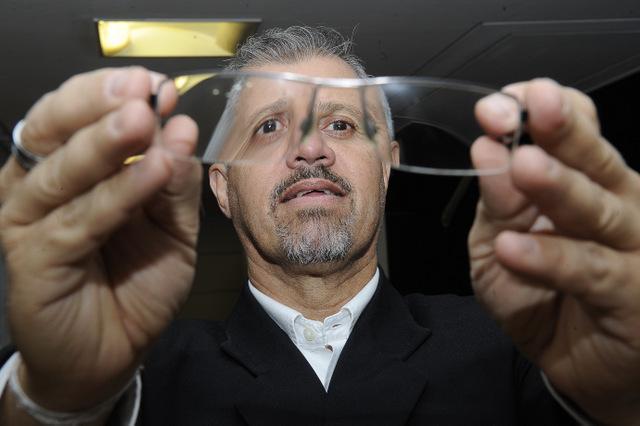 Eduardo Safons, 55 anos, diz que descobriu o glaucoma em exame de rotina
