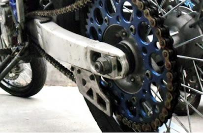 Tips Sederhana Merawat Sepeda Motor Saat Musim Hujan Agar Tetap Awet