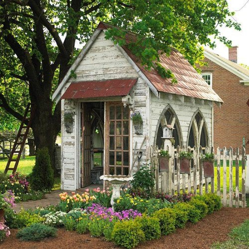 Delightful garden shed content in a cottage - Cottage garden shed pictures ...