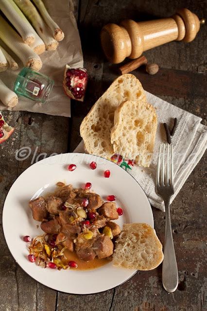 spezzatino di pollo ai porri e melograno gluten free con ciabattine di giorilli ( no gluten free)
