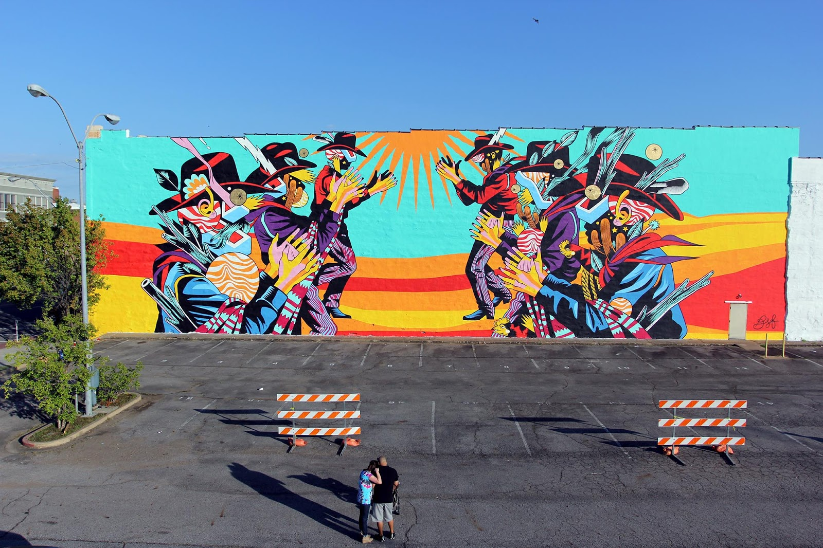 Unexpected 39 15 bicicleta sem freio paints catira a for 6 blocks from downtown mural