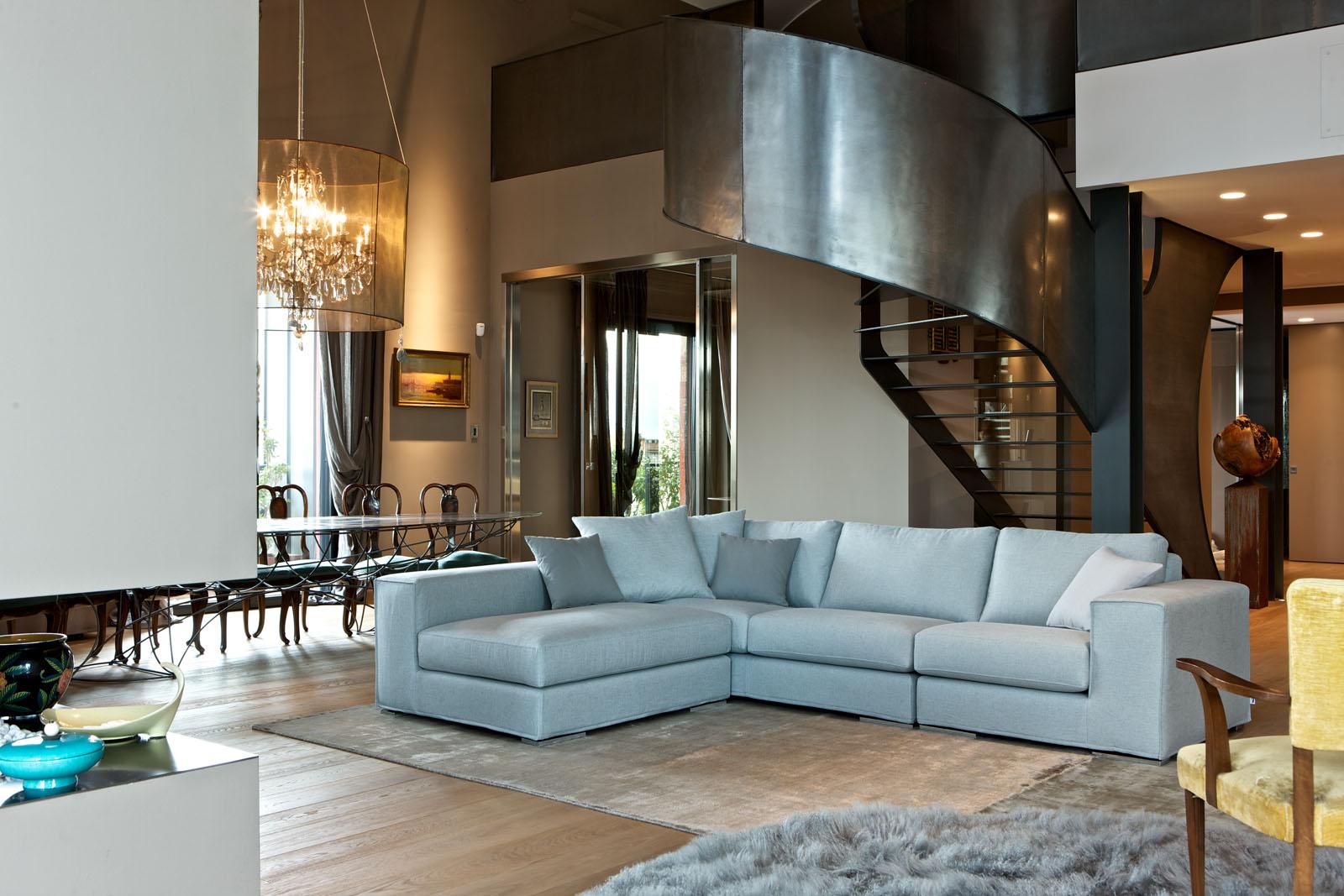 Divani blog tino mariani divani su misura in tessuto for Divani su misura