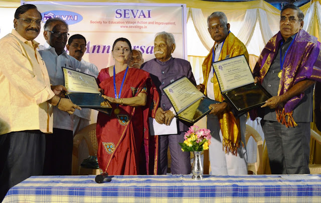 Scholars presented with Kalam Education Awards